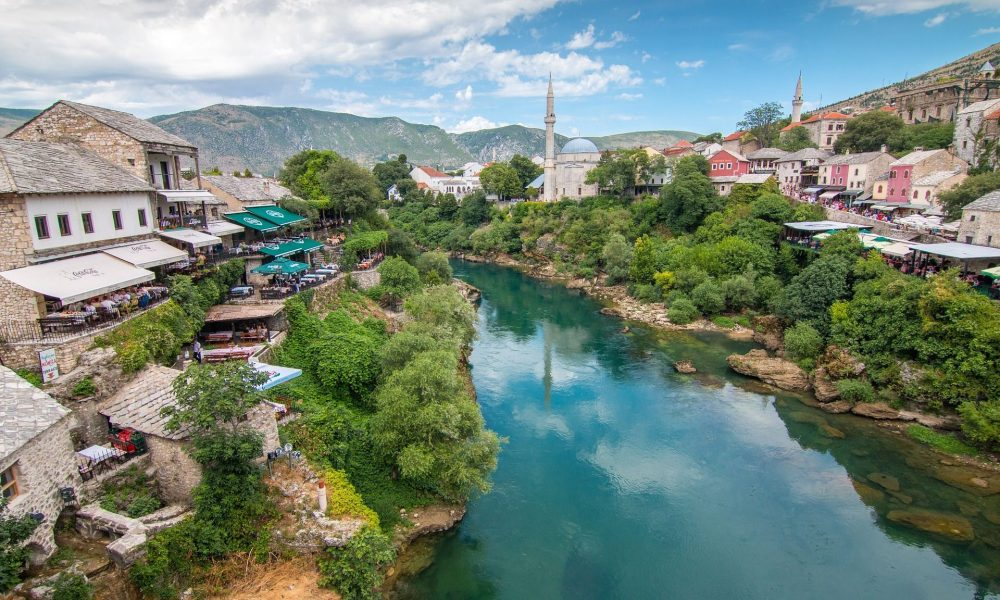 Bosnien und Herzegowina 25 Jahre nach Dayton – Zwischen Ethnopolitik und neuen Formen der Solidarität