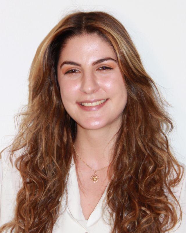 Portrait: Caroline Ayşe Sarıçiftçi